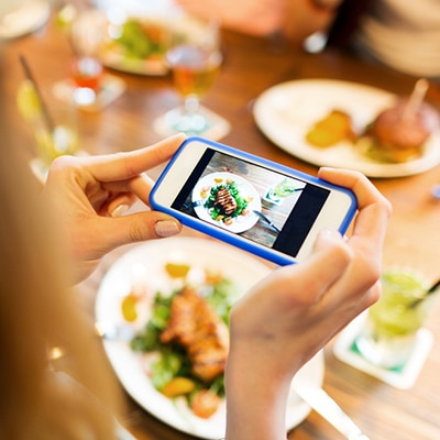 Social-Media-for-Restaurants-How-to-Increase-Your-Customer-Base-feature5